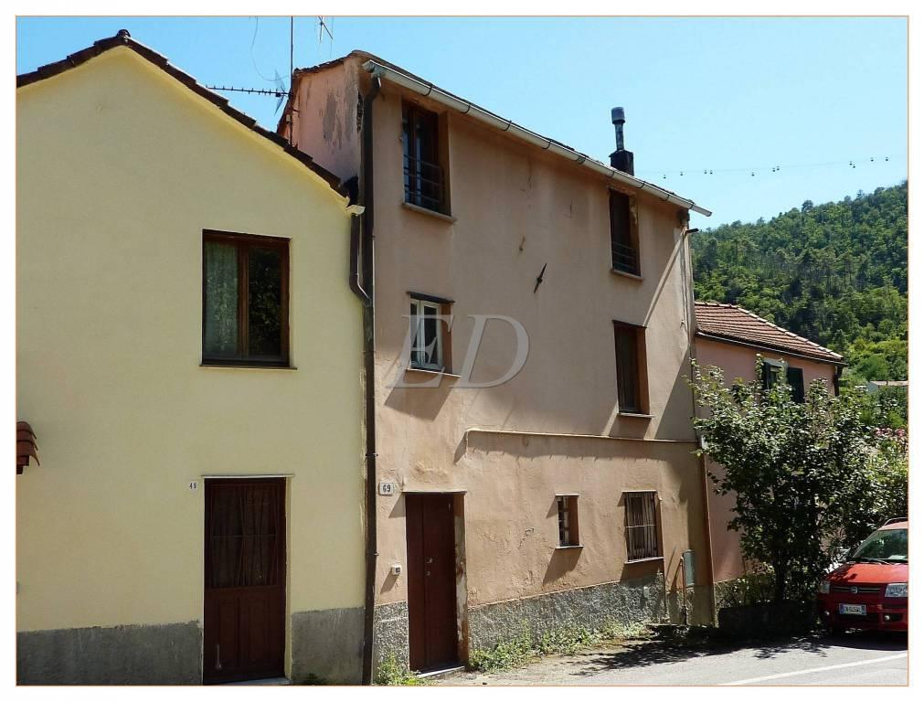 Foto 1 di Rustico / Casale frazione Cimavalle, Savona