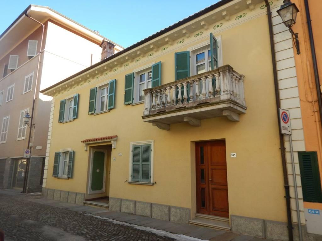 Foto 1 di Villa via Dante Alighieri, Cortemilia
