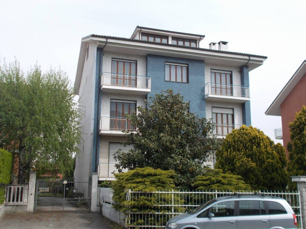 Foto 1 di Appartamento viale Italia 24, Leinì