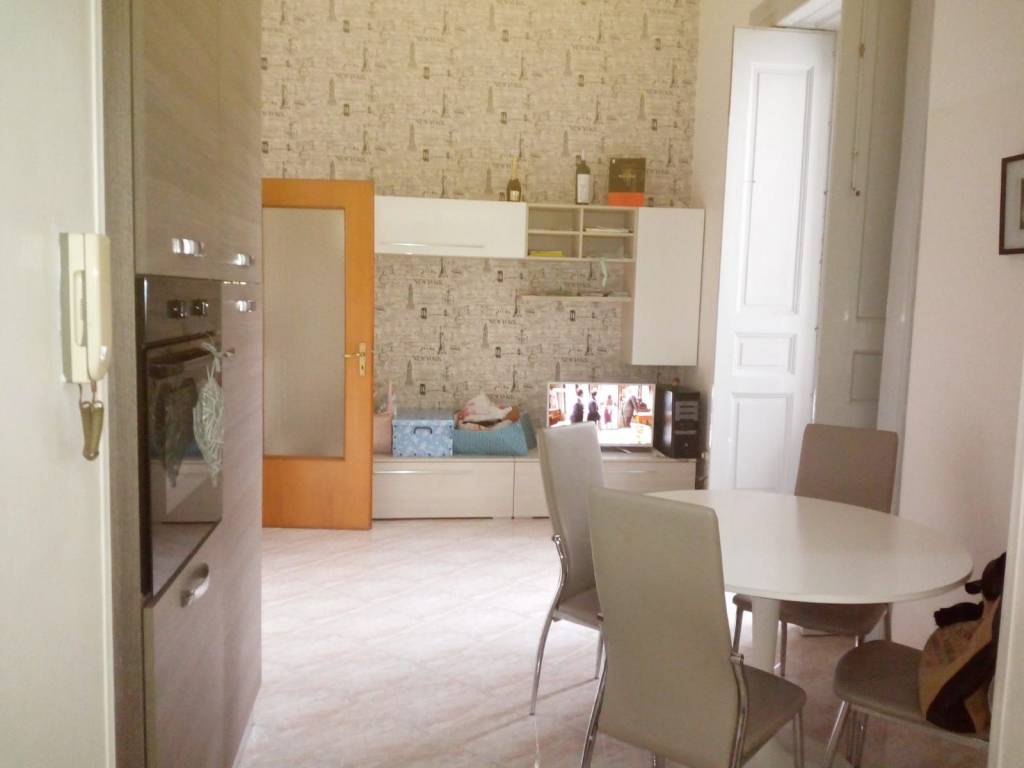 Appartamento in affitto a Mercato San Severino, 3 locali, prezzo € 400 | CambioCasa.it