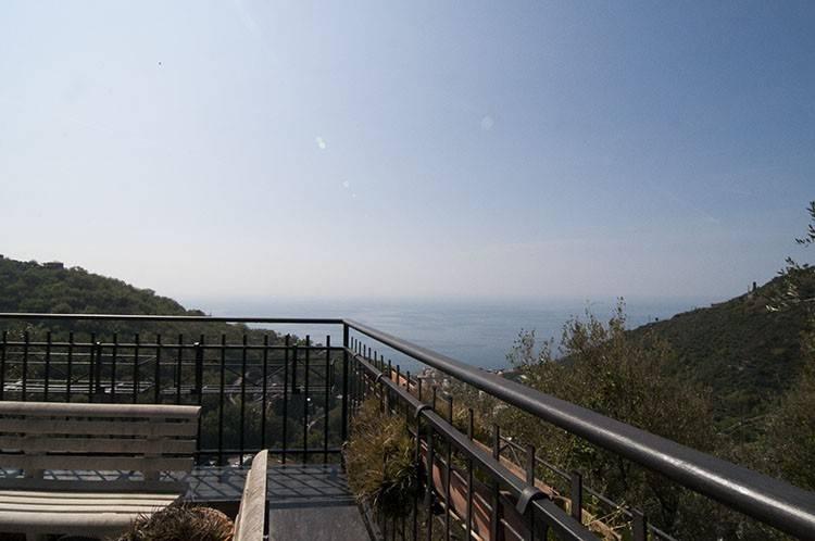 Foto 1 di Villa via Sessarego, frazione Sessarego, Bogliasco