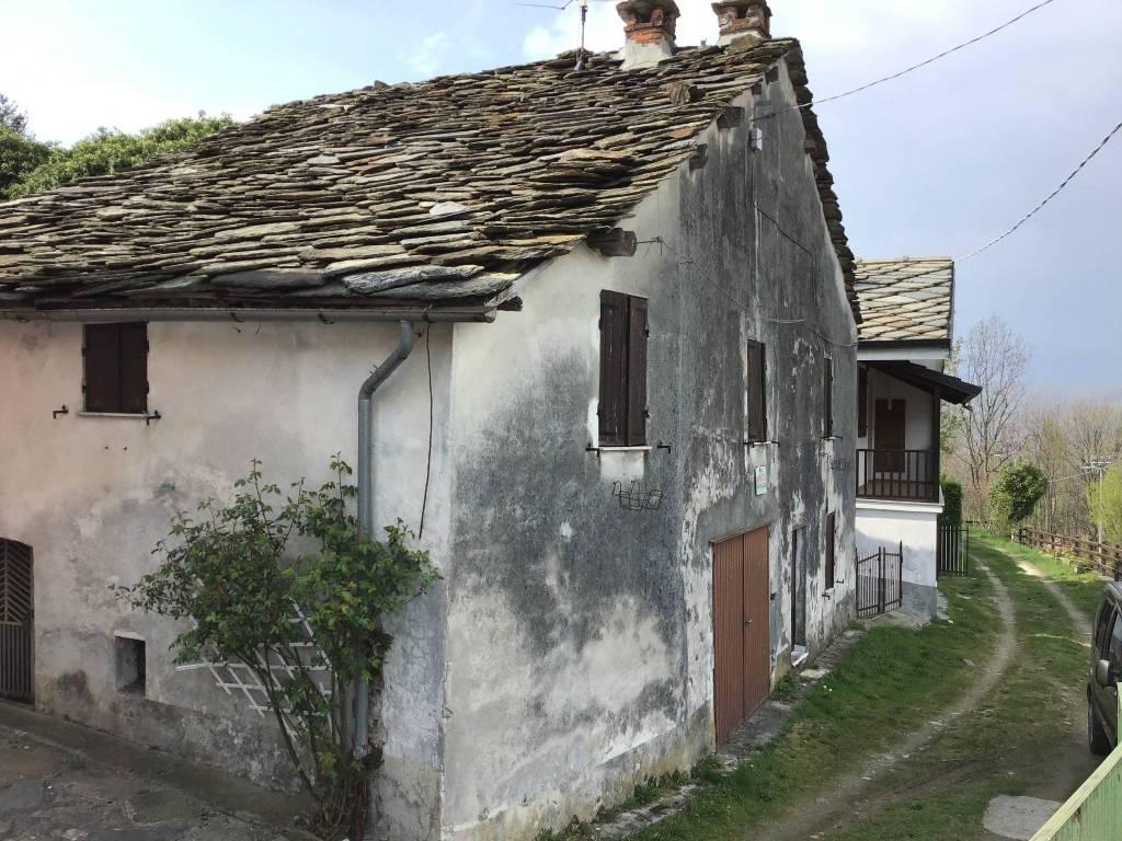 Foto 1 di Casa indipendente via Camillo Benso di Cavour, Castelnuovo Nigra