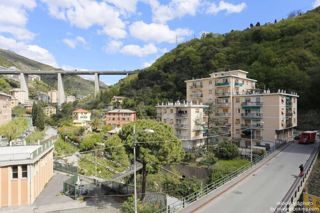 Foto 1 di Quadrilocale via Giulio Tanini, Genova (zona S.Fruttuoso-Borgoratti-S.Martino)