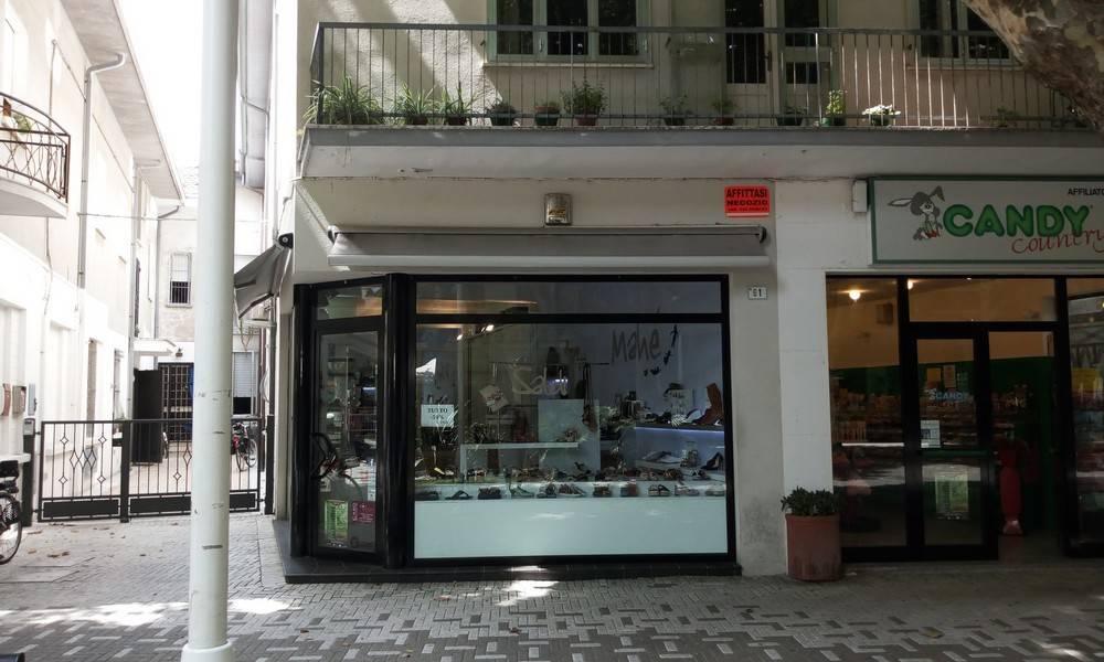 Attività / Licenza in affitto a Bellaria Igea Marina, 2 locali, prezzo € 1.600 | CambioCasa.it