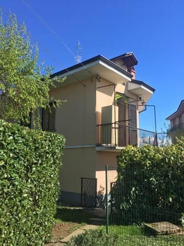 Foto 1 di Villa via Torino, Bra