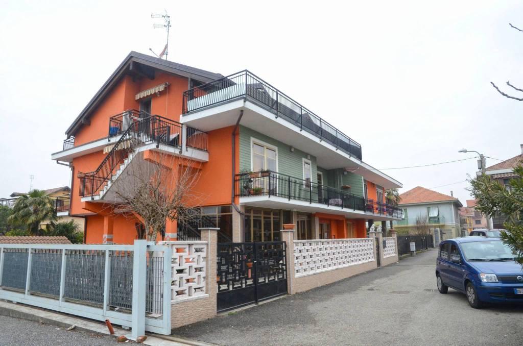 Appartamento in ottime condizioni in vendita Rif. 9450690