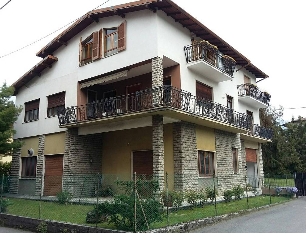 Appartamento in vendita a Leffe, 5 locali, prezzo € 165.000 | PortaleAgenzieImmobiliari.it