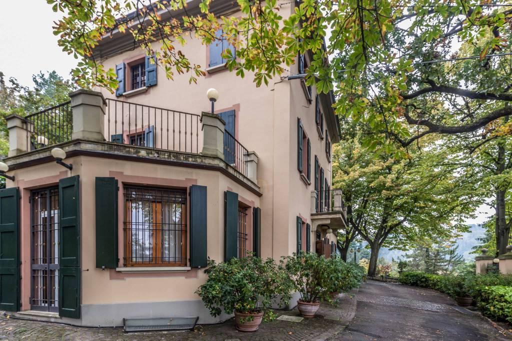 Foto 1 di Villa via di Gaibola, Bologna