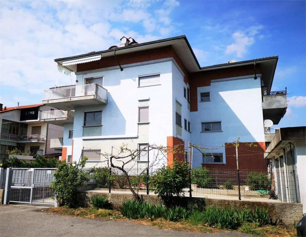 Foto 1 di Appartamento via Merano, 12, Volpiano