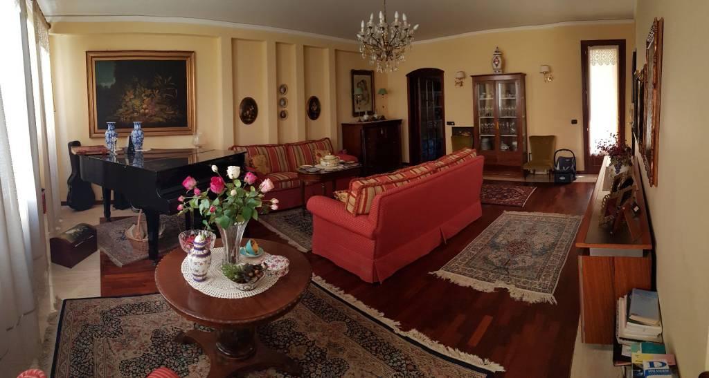 Foto 1 di Appartamento via Megara, Augusta