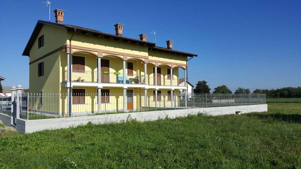 Villa a Schiera in affitto a Poirino, 6 locali, prezzo € 650   CambioCasa.it