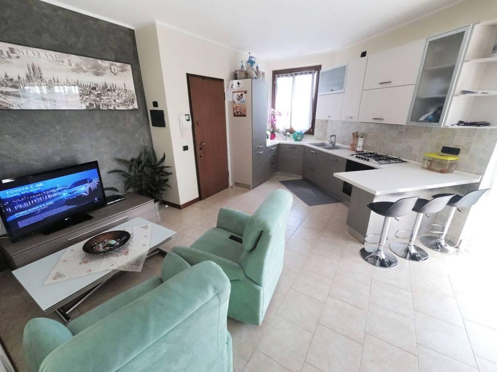 Appartamento in vendita a Saronno, 3 locali, prezzo € 145.000 | CambioCasa.it