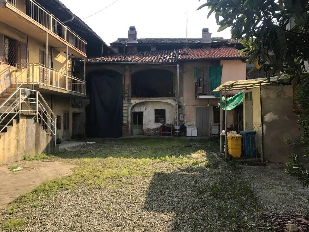 Foto 1 di Casa indipendente via Ferdinando Borrone 48, Salassa