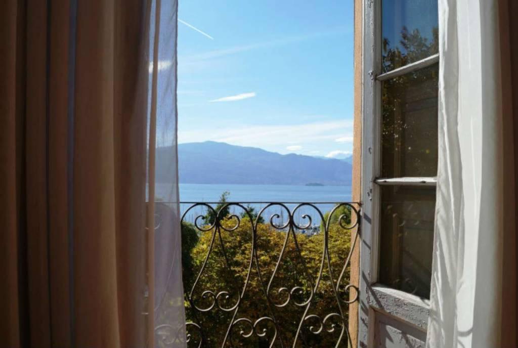 Villa in vendita a Laveno-Mombello, 13 locali, prezzo € 990.000   CambioCasa.it