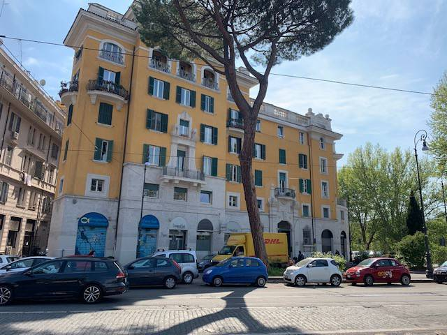 Appartamento in vendita a Roma, 4 locali, zona Zona: 17 . Aventino, San Saba , Piramide, prezzo € 870.000 | CambioCasa.it
