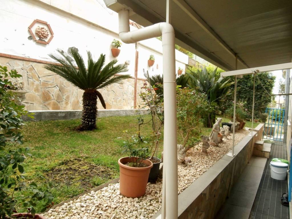 Appartamento in vendita a Aci Castello, 4 locali, prezzo € 120.000 | PortaleAgenzieImmobiliari.it