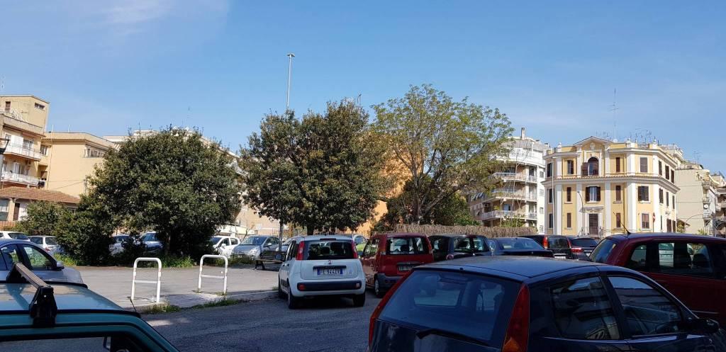 Negozio / Locale in affitto a Roma, 1 locali, zona Zona: 15 . Appio Latino, Appia Antica, Furio Camillo, Alberone, prezzo € 350 | CambioCasa.it