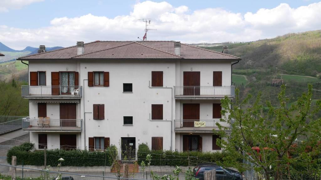 Appartamento in ottime condizioni parzialmente arredato in vendita Rif. 5543157