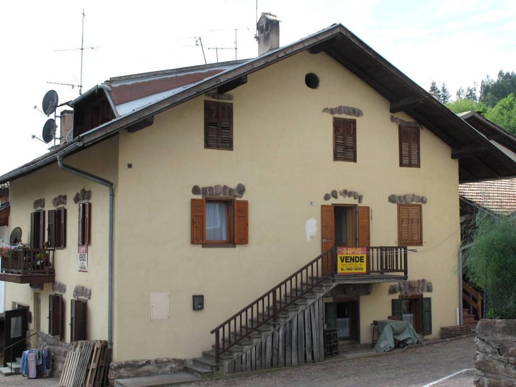 Appartamento in buone condizioni arredato in vendita Rif. 4445080