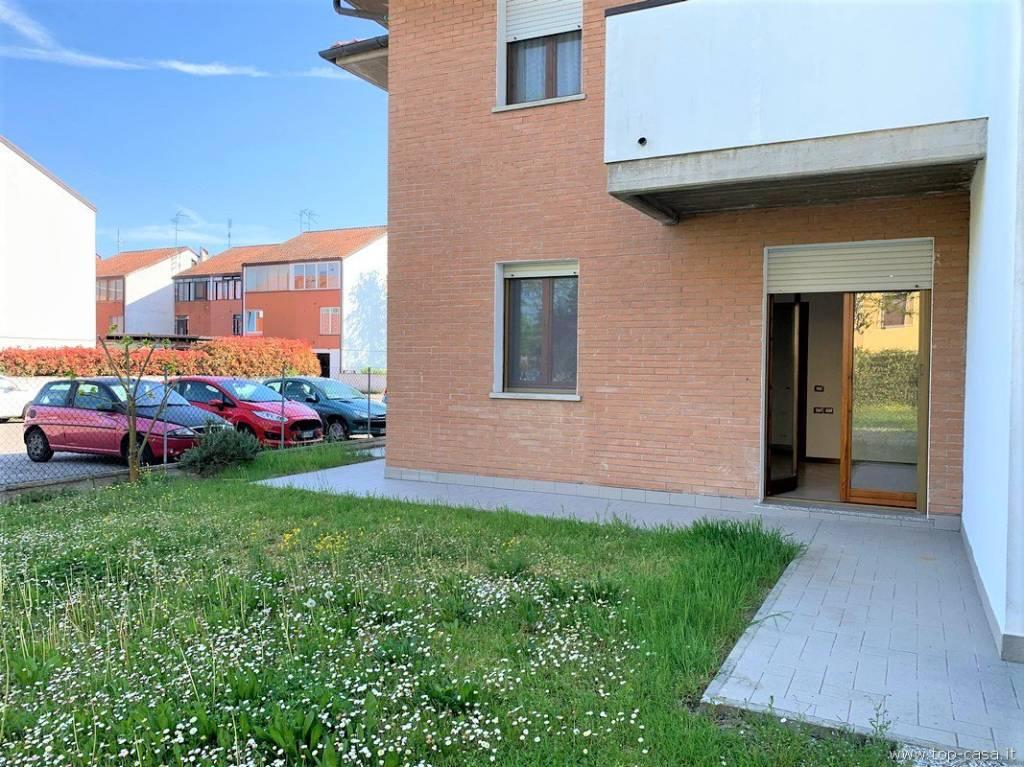Appartamento in buone condizioni in vendita Rif. 7767690