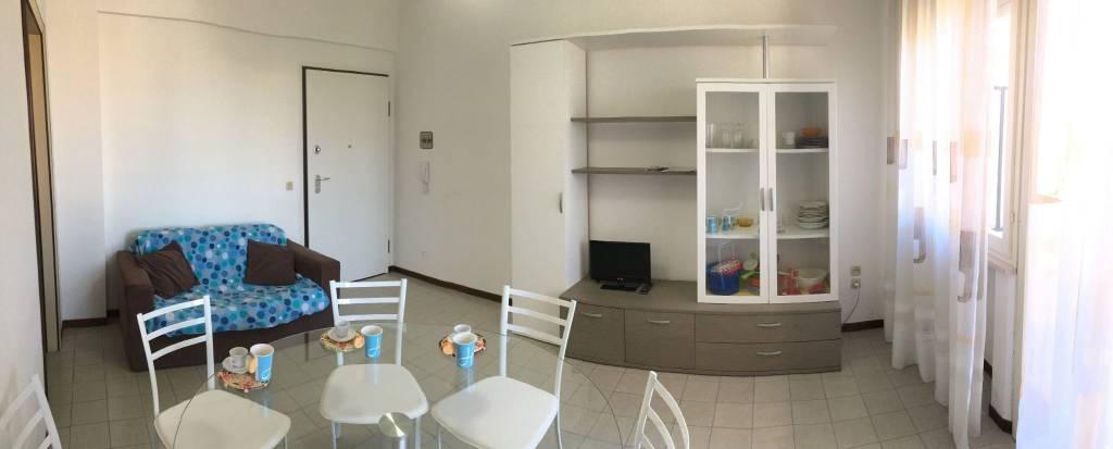 Appartamento in buone condizioni arredato in vendita Rif. 8441896