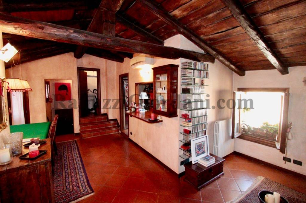 Foto 1 di Attico / Mansarda piazza San Martino 7, Bologna (zona Centro Storico)