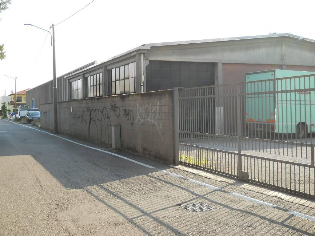 Capannone in affitto a Saronno, 1 locali, prezzo € 1.000   PortaleAgenzieImmobiliari.it