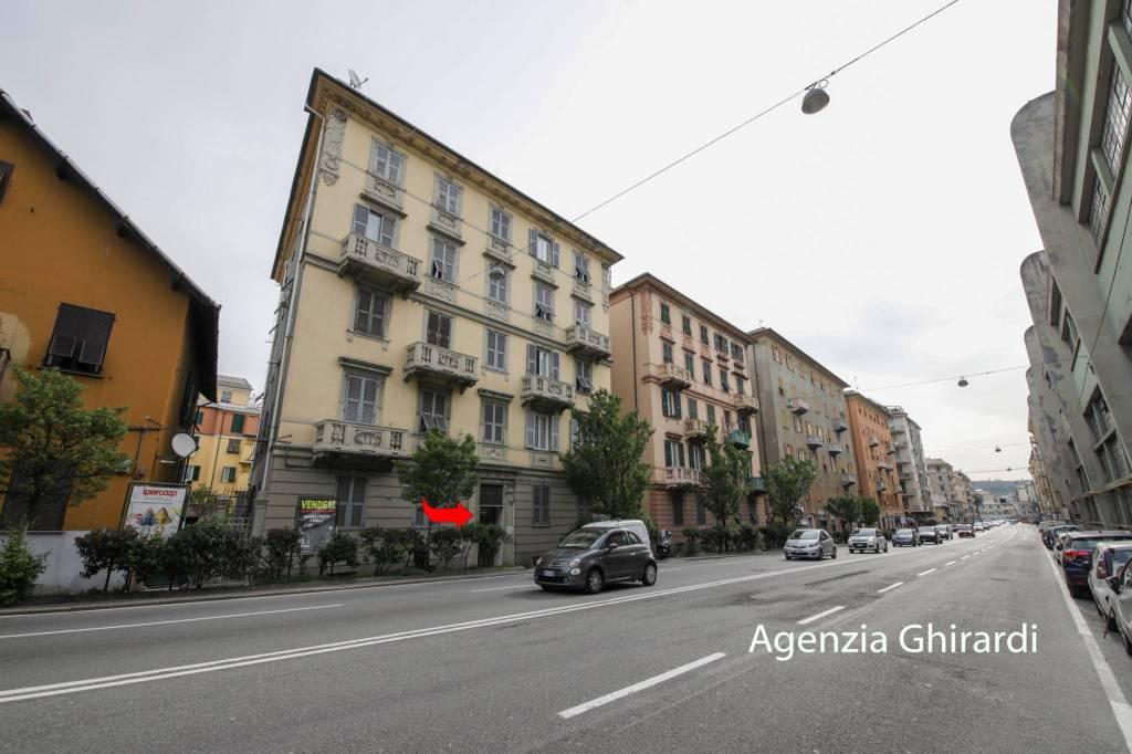 Foto 1 di Box / Garage via Merano 31, Genova (zona Sestri Ponente)