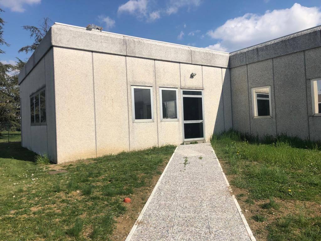 Ufficio / Studio in affitto a Calcinate, 2 locali, Trattative riservate | PortaleAgenzieImmobiliari.it