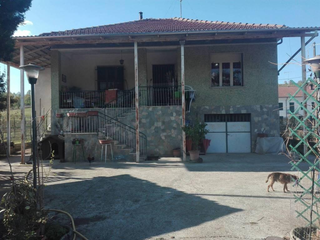 Foto 1 di Villa via San Martino, Cortiglione