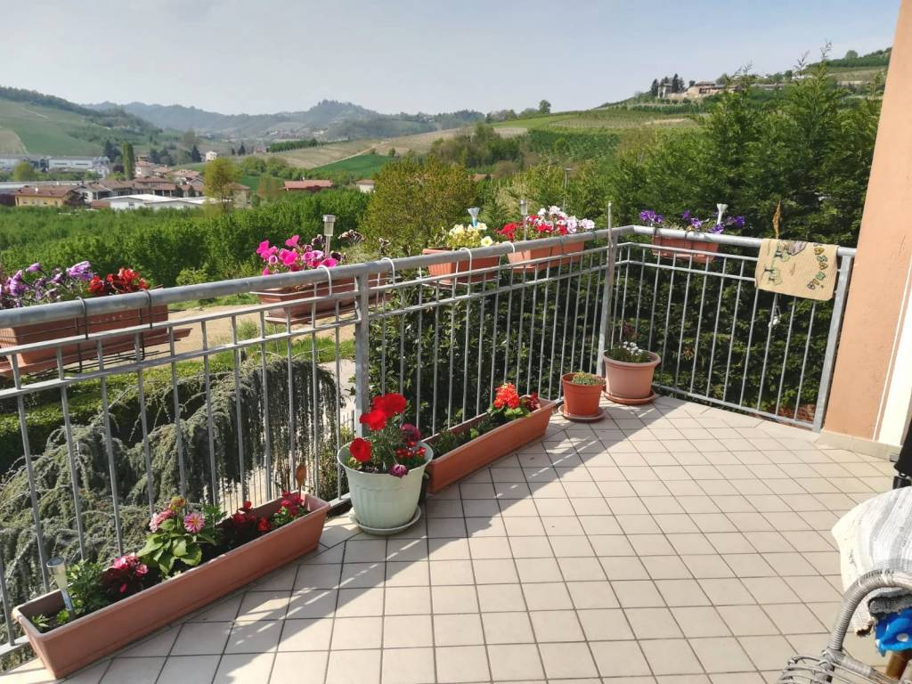 Foto 1 di Villa Frazione Castelrotto, frazione Castelrotto, Guarene