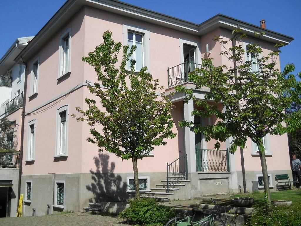 Villa in vendita a Turate, 8 locali, prezzo € 700.000 | PortaleAgenzieImmobiliari.it