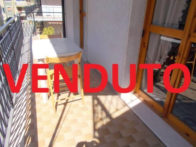 Appartamento in buone condizioni parzialmente arredato in vendita Rif. 4894110