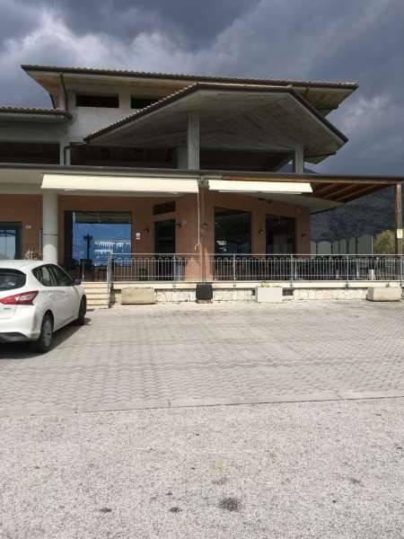 Negozio / Locale in vendita a Castrocielo, 6 locali, prezzo € 550.000 | CambioCasa.it