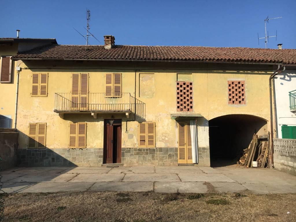 Rustico / Casale in vendita a Cerro Tanaro, 5 locali, prezzo € 80.000 | PortaleAgenzieImmobiliari.it