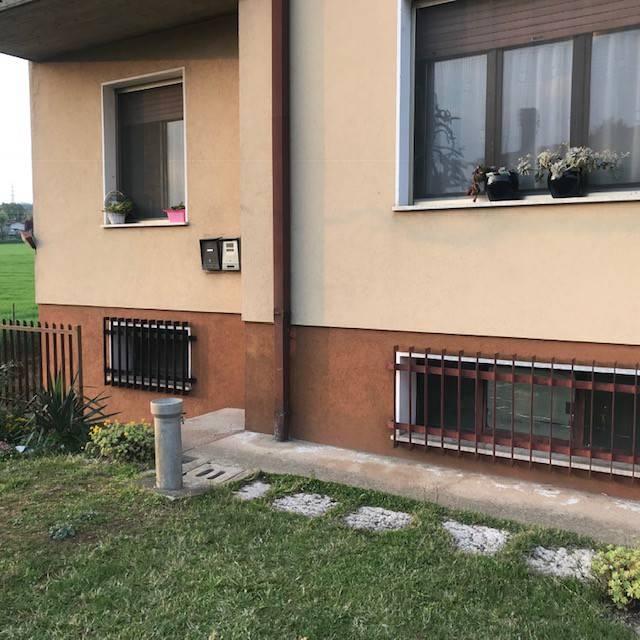 Appartamento in vendita a Volta Mantovana, 4 locali, prezzo € 132.000 | CambioCasa.it