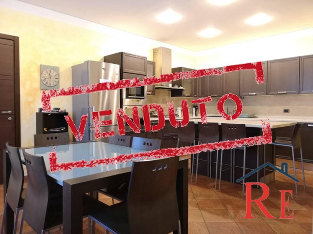 Foto 1 di Villa via Villafranca Piemonte 1/c, Faule