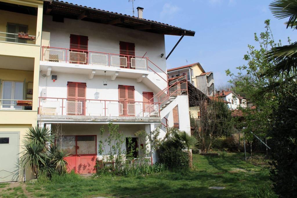 Foto 1 di Casa indipendente via Dietro Castello, Torre Canavese