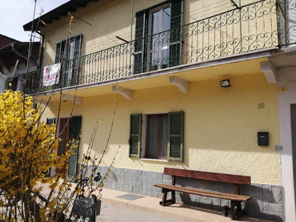 Foto 1 di Appartamento via Fratelli Borgna 2, Garessio
