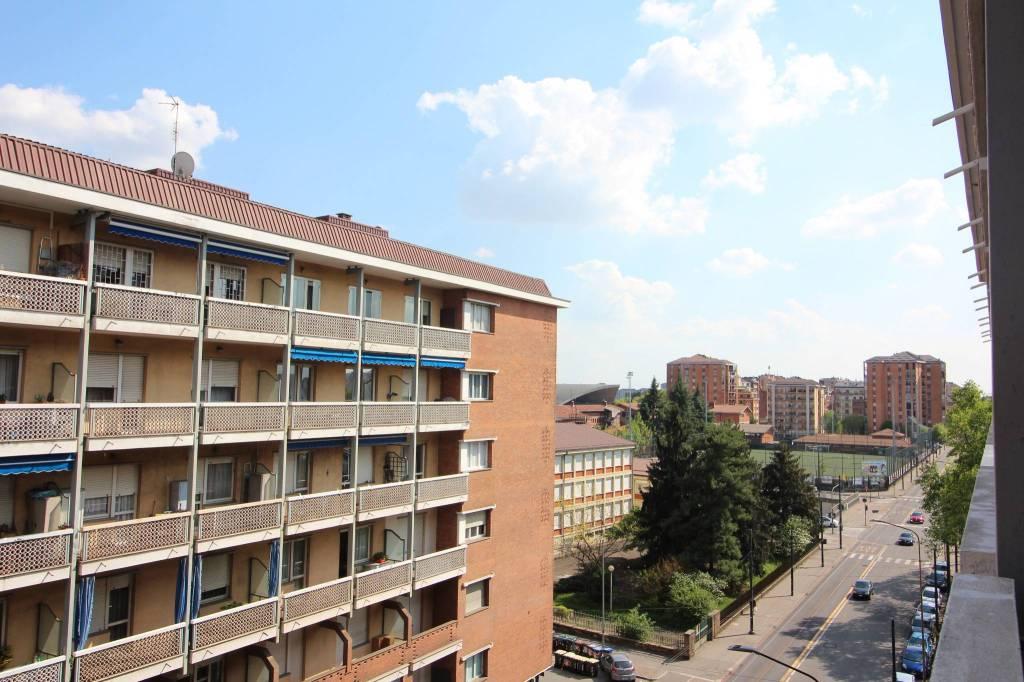 Foto 1 di Quadrilocale via Genova 124, Torino (zona Valentino, Italia 61, Nizza Millefonti)