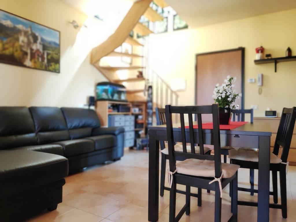 Appartamento in ottime condizioni in vendita Rif. 8899292