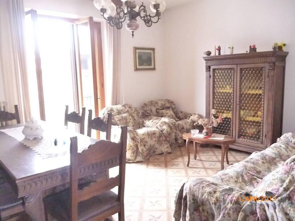Appartamento in Vendita a Passignano Sul Trasimeno Centro:  4 locali, 103 mq  - Foto 1