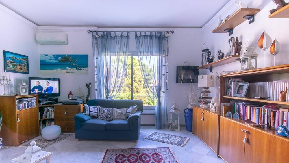 Foto 1 di Villetta a schiera via della Pineta 87, frazione Pineta di Arenzano, Arenzano