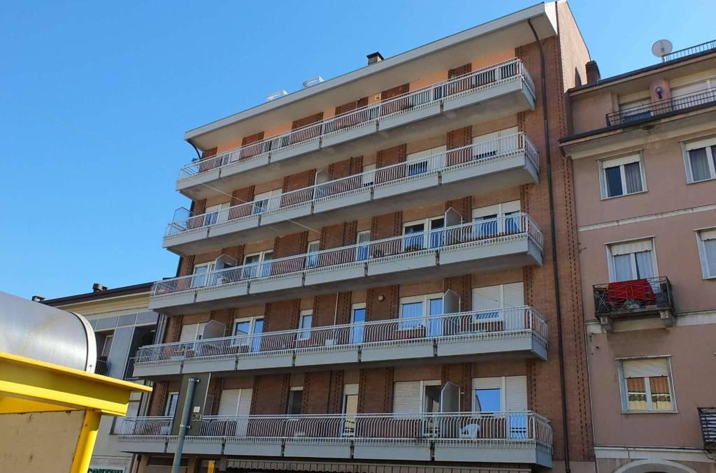 Appartamento in vendita a Germignaga, 4 locali, prezzo € 260.000 | CambioCasa.it