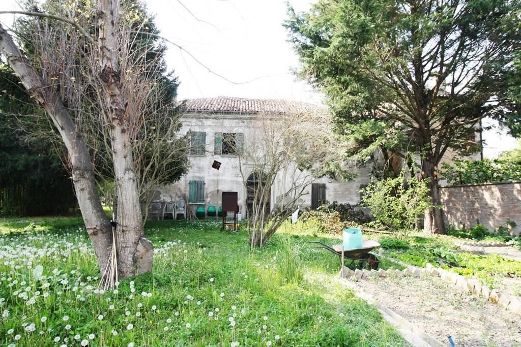 Foto 1 di Rustico / Casale viale Zenzalino 5, Argenta