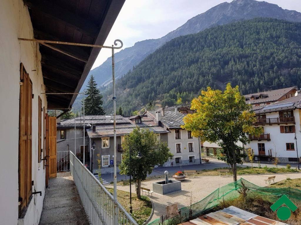 Appartamento in buone condizioni arredato in affitto Rif. 9156090