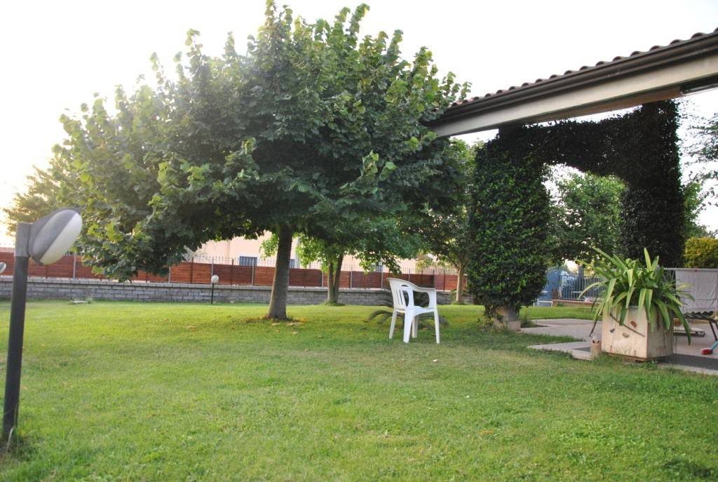 Villa in vendita a Ciampino, 5 locali, Trattative riservate   CambioCasa.it