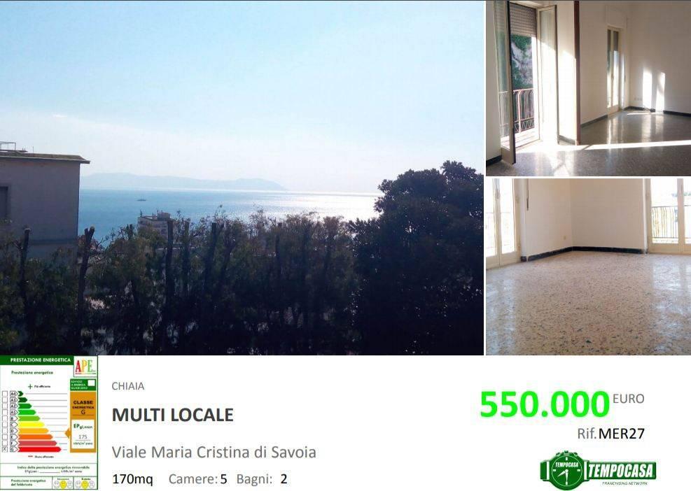 Appartamento in vendita 7 vani 176 mq.  viale Maria Cristina Regina di Savoia 9 Napoli