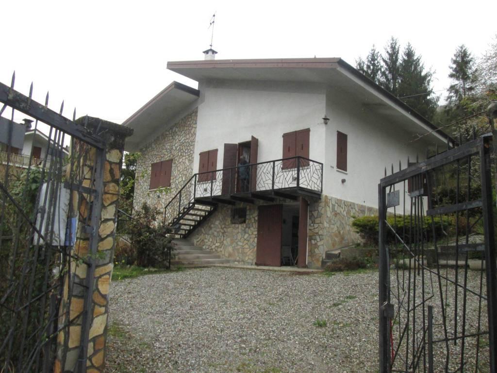 Villa in vendita a Entracque, 5 locali, prezzo € 175.000 | PortaleAgenzieImmobiliari.it