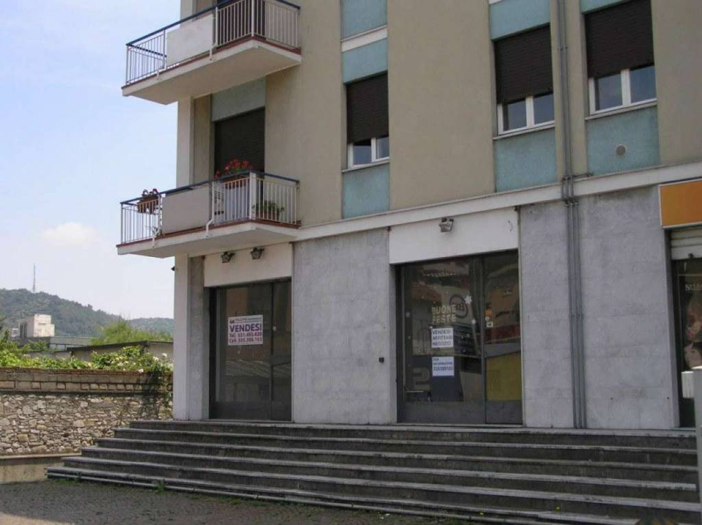 Negozio / Locale in vendita a Como, 2 locali, zona Acquanera- Albate -Muggiò -, prezzo € 105.000 | PortaleAgenzieImmobiliari.it